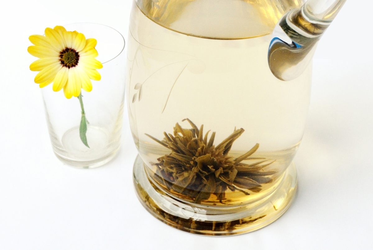 Blooming Tea With Yellow Flower Gimmeges